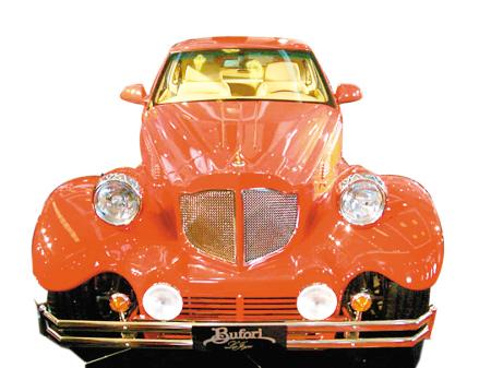 老款红旗牌轿车最受藏家青睐高清图片
