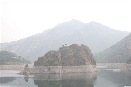 生态环境优美典雅,是长寿山国家森林公园和秦皇岛柳江国家地质公园的