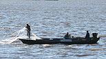 乌苏里江上的渔民